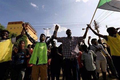 Movilización multitudinaria en Sudán contra el partido de Al Bashir