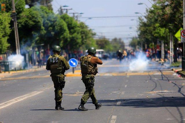 Chile.- Declaran el toque de queda en toda la Región Metropolitana de Santiago p