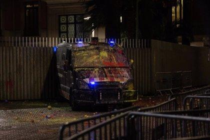 Se disuelve la concentración de este lunes en Barcelona tras unas cargas a última hora