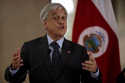 """Piñera anuncia que se reunirá con partidos del Gobierno y la oposición para avanzar hacia un """"acuerdo social"""""""