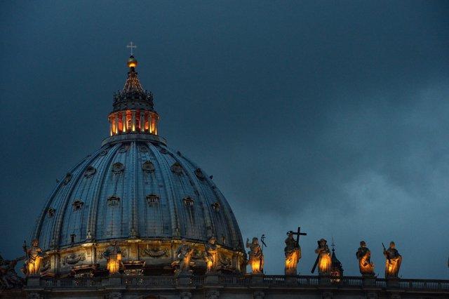 Tiran al río Tíber los ídolos amazónicos de la Pachamama tras robarlos de una iglesia en Roma