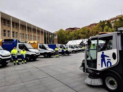 El Ayuntamiento renueva los 46 vehículos de la flota de limpieza y 2.200 contenedores verdes, azules y amarillos