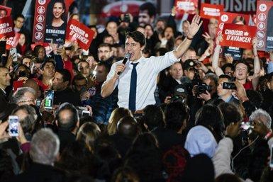 Els liberals de Trudeau aconsegueixen la victòria tot i la pèrdua de suports, segons els resultats preliminars (Eric Demers)