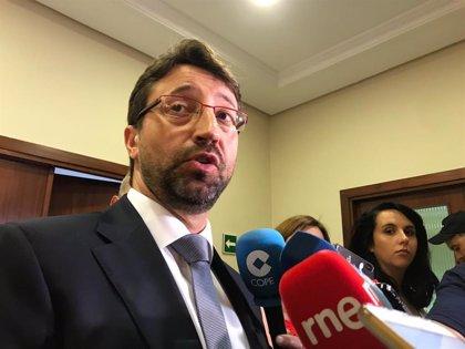 Fernández (PSOE) defiende las medidas del Gobierno para evitar deslocalizaciones