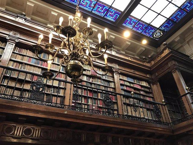 Interior de la Biblioteca de Menéndez Pelayo