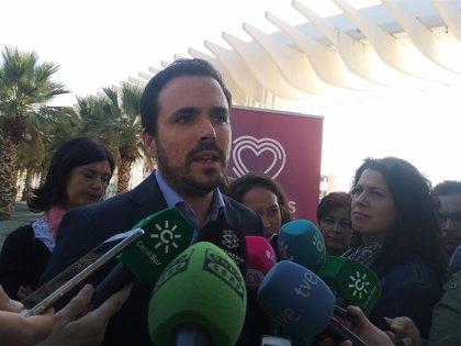 """Alberto Garzón asegura que el deber de Pedro Sánchez es """"coger el teléfono"""" a Torra y """"abrir un cauce de diálogo"""""""