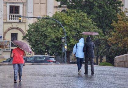 Las lluvias acumulan más de 60 l/m2 hasta las 11.30 horas en la Comunidad Valenciana y superan los 40l/m2 en Baleares