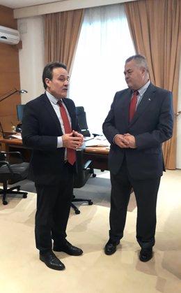 """Embajador de Cuba traslada a Parlamento el deseo de """"fortalecer"""" vínculos comerc"""