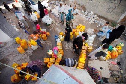 La falta de combustible deja a 15 millones de yemeníes con graves problemas de acceso a agua