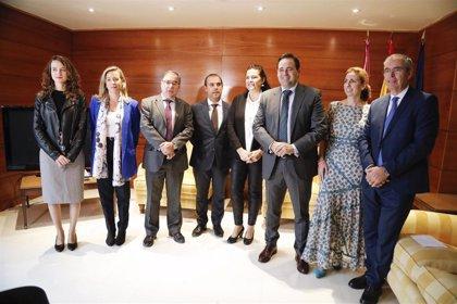 Los tres grupos de las Cortes de C-LM firman el Pacto por la Infancia de Unicef