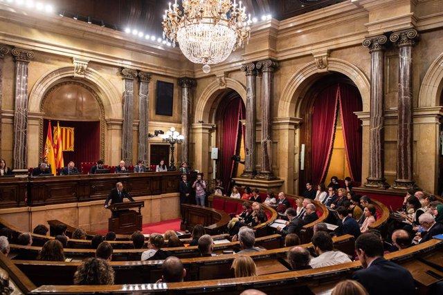 Vista de l'hemicicle del Parlament durant la compareixença del president de la Generalitat, Quim Torra, per informar dels últims esdeveniments després de conèixer-se la sentència del proces el passat 14 d'octubre, Barcelona (Catalunya)