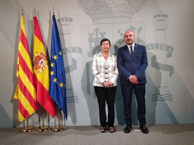 La delegada del Govern a Catalunya, Teresa Cunillera, i el subdelegat a Barcelona, Carlos Prieto.