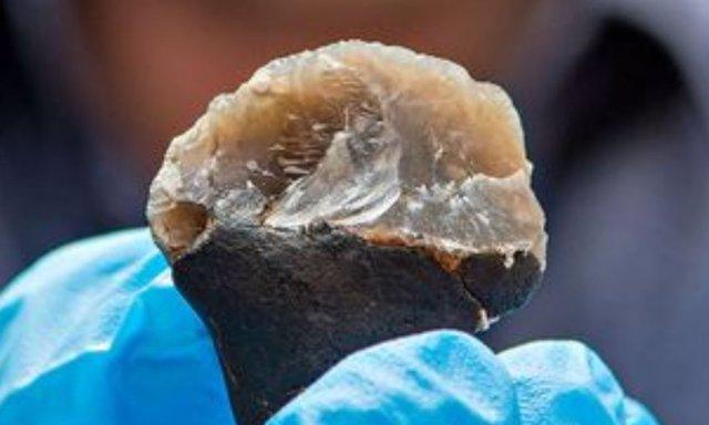 Un mango de 'pegamento' neandertal apunta a un pensamiento complejo