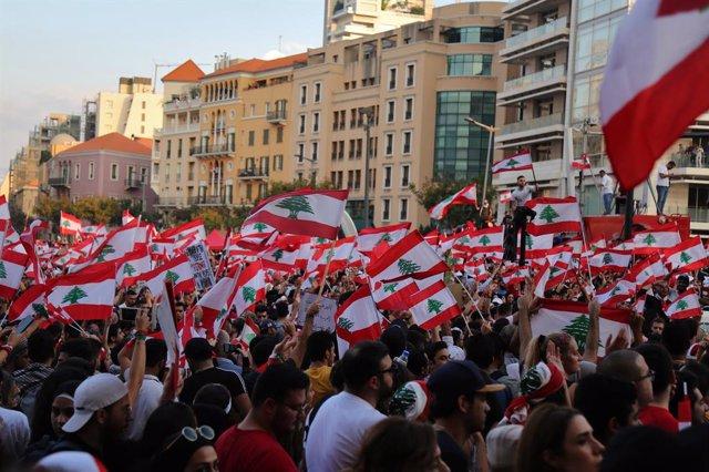 Líbano.- Los manifestantes mantienen sus protestas en Líbano pese a las promesas