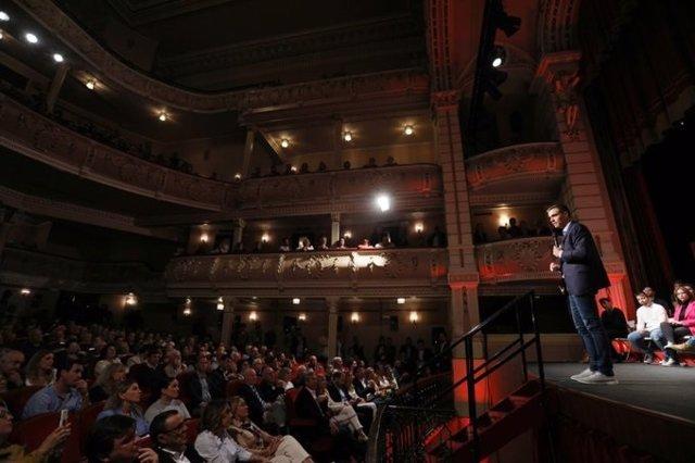 El líder del PSOE, Pedro Sánchez, en un míting a Huelva en la precampanya del 10