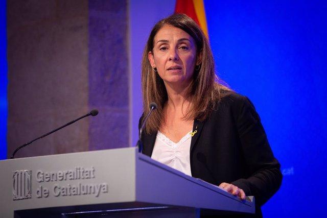La consellera de la Presidència i portaveu del Govern, Meritxell Budó intervé en roda de premsa després del Consell Executiu de la Generalitat, a Barcelona (Espanya), 22 d'octubre del 2019.