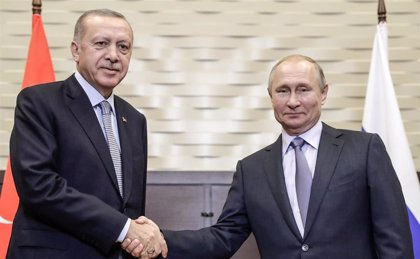 Turquía y Rusia dan un plazo de 150 horas a las YPG para abandonar la 'zona segura' en el norte de Siria