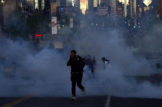 Resultado de imagen para HRW pide a Chile que se asegure de que las fuerzas de seguridad respetan los derechos de los manifestantes
