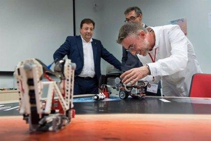 Fernández Vara resalta el uso de la robótica como herramienta educativa