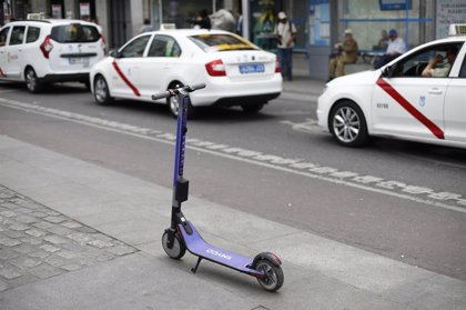 Las 16 empresas de patinetes eléctricos que operan en Madrid incumplen la normativa