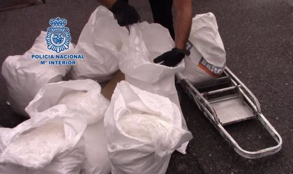La Policía halla más de 100 kilos de 'cristal' entre escombros dentro de una furgoneta