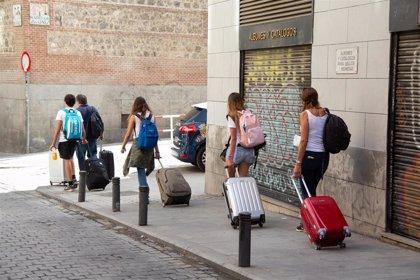 Ayuntamiento y Comunidad compartirán información sobre viviendas turísticas a través de un convenio de colaboración