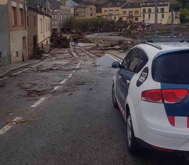 L'accés a l'Espluga de Francolí (Tarragona) tallat pel temporal.