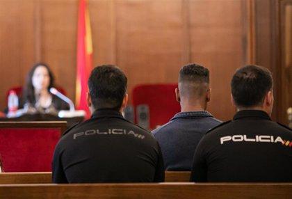 Dado de alta el acusado de matar a su bebé en El Cerezo, en Sevilla, tras haber intentado quitarse la vida