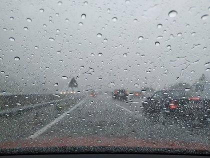 Más de una decena de escuelas cerradas y una veintena de rutas las lluvias