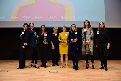 Guadalupe Sabio, Ana Pastor, Olga Felip, Joana Pastrana, Sonia Díez y Mar González, galardonadas en la VI Premios MAS