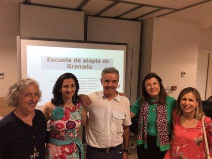 El Hospital Virgen de las Nieves de Granada forma a las familias en el manejo de la dermatitis atópica