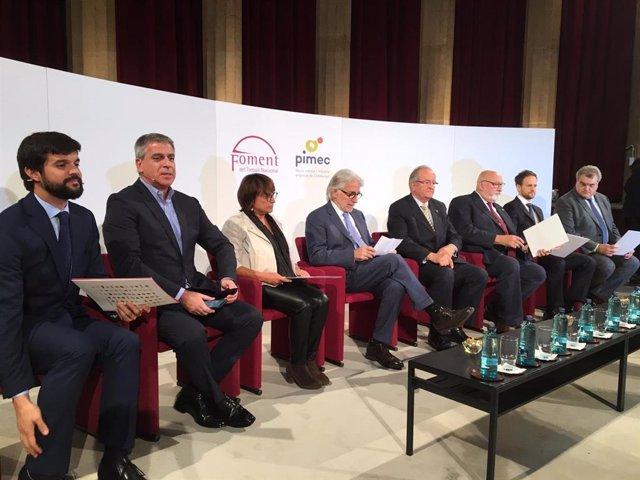 Els presidents de Foment del Treball, Josep Sánchez Llibre, i de Pimec, Josep González, al centre, aquest dimecres.