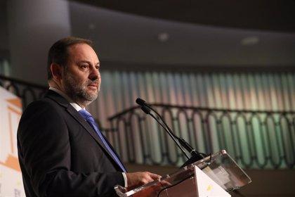 """Ábalos considera que se dan elementos para """"pasar página"""" en Cataluña de un desafío fracasado"""