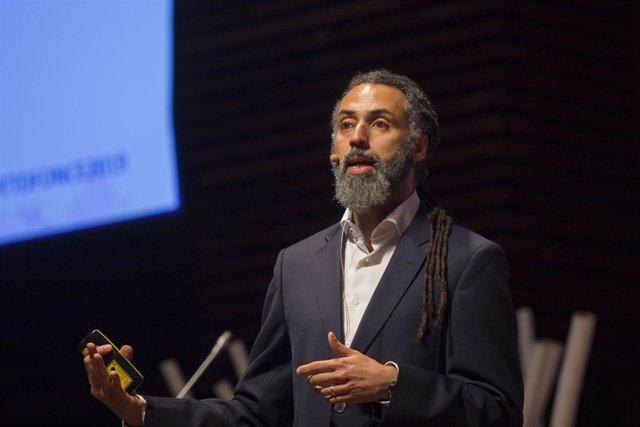El profesor Ricardo Chavarriaga.