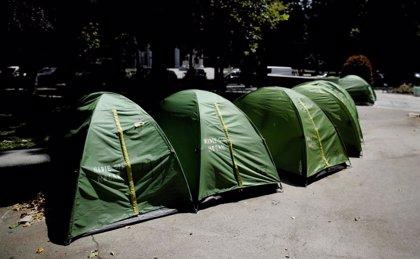 La acampada de personas sin hogar acabó con 30 denuncias por ir contra las ordenanzas y con la retirada de 141 tiendas
