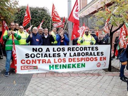 El 90% de la plantilla de Heineken en Andalucía secunda la huelga, según CCOO