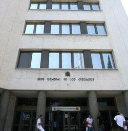 Un jutge prohibeix a un pare aproximar-se a menys de 25 metres del professor de les seves filles després d'amenaçar-lo (EUROPA PRESS - Archivo)