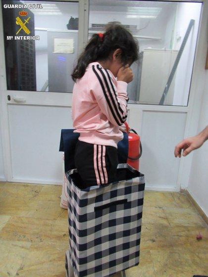 Detenido por intentar introducir desde Marruecos a Melilla a una niña siria en el carrito de la compra