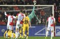 El Barça gana y sale líder de Praga pese a sufrir lo inexplicable
