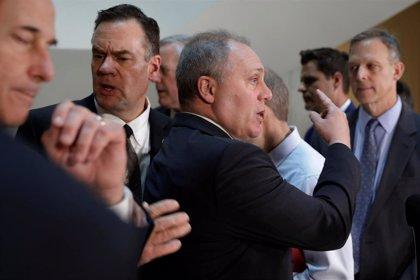 Congresistas republicanos irrumpen en una vista a puerta cerrada en el marco de la pesquisa sobre el 'impeachment'
