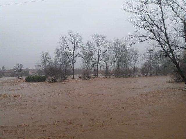 Las inundaciones de esta semana en Cantabria han dejado un total de 156 personas desalojadas, más de 800 incidencias gestionadas, 61 municipios afectados y más de 170 argayos