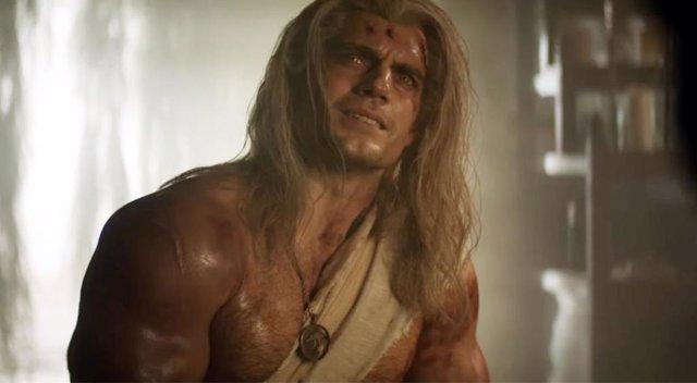 Henry Cavill protagoniza The Witcher en Netflix
