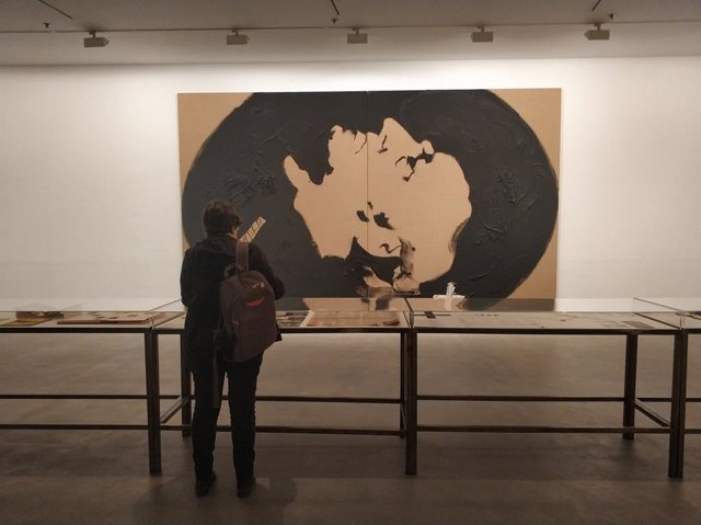 La Fundació Antoni Tàpies estrena nova exposició, 'Antoni Tàpies. Teatre'
