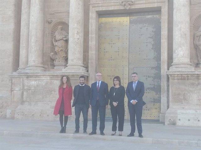 El ministro de Cultura en funciones, José Guirao, en el centro de la imagen junto al conseller de Educación y Cultura, Vicent Marzà y la directora general de Cultura y Patrimonio, Carmen Amoraga