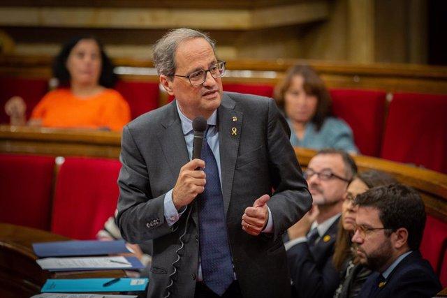 El president de la Generalitat, Quim Torra intervé durant una sessió plenària al Parlament de Catalunya, celebrada una setmana després de conèixer-se la sentència del judici del procés, a Barcelona (Espanya), 23 d'octubre del 2019.