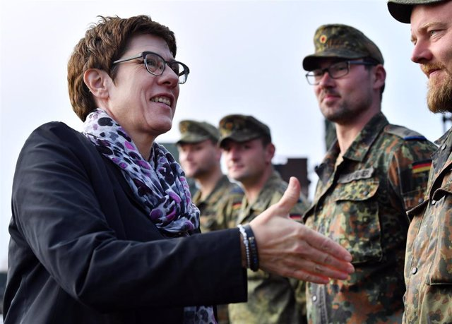 Annegret Kramp-Karrenbauer, ministra de Defensa alemana