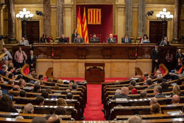 Hemicicle del Parlament de Catalunya durant una sessió plenària celebrada una setmana després de conèixer-se la sentència del judici del procés, a Barcelona (Espanya), a 23 d'octubre del 2019.