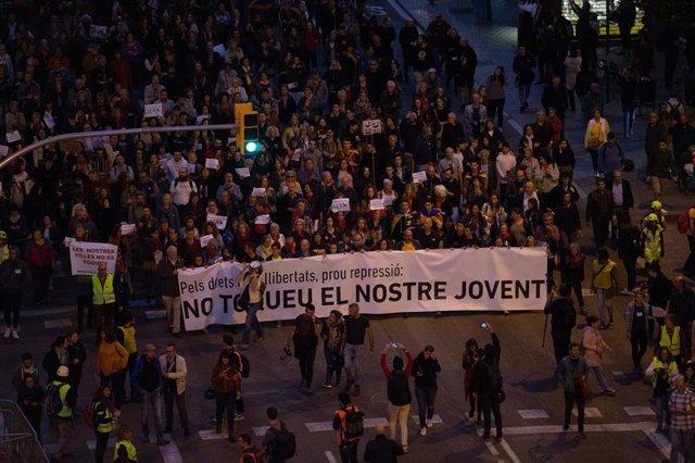 Manifestación 'Pels drets i les llibertats, prou repressió: No toqueu el nostre jovent!' convocada por Intersindical-CSC, Ustec·Stes, sindicatos estudiantiles, ANC y Fapac