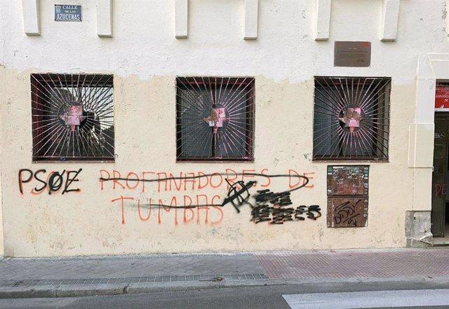 Ataque vandálico a la Casa del Pueblo socialista en el distrito de Tetuán.
