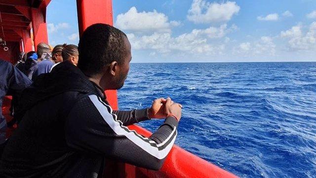 Migrante rescatado por el 'Ocean Viking'